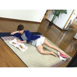 スイングコア プレミアム 雑誌を読みながら片足スイングも。