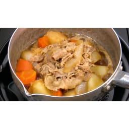 吉野家 牛丼の具(120g×20食+4食) 【アレンジレシピ】野菜と一緒に煮込めば肉じゃがに!