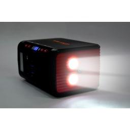 メガパワーバンク・ソーラーパネルセット 遠くまで届く2灯式LED。点滅、早い点滅にすることも可能