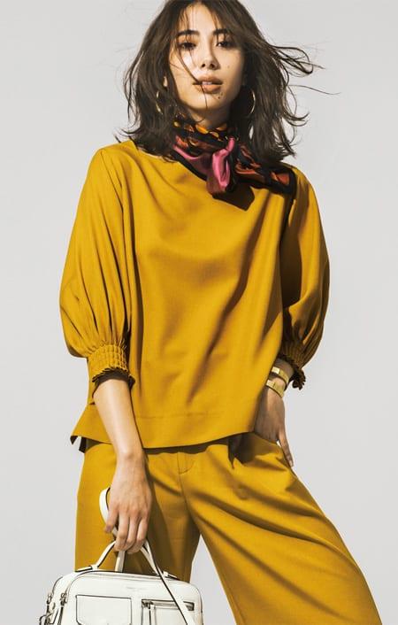 麻調ツイルシリーズ お得なセット(タック&シャーリング袖ブラウス+8分丈セミワイドパンツ)のコーディネート