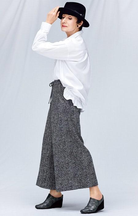 バックフリルデザイン シャツのコーディネート