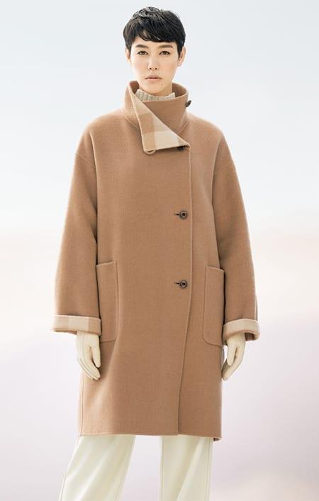 イタリア素材 キャメル リバーシブル コートのコーディネート